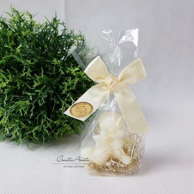 Engel Schafmilchseife - Seifenengel - weihnachtlich dekoriert mit Engelshaar