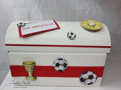 Erinnerungsbox Schatztruhe Truhe FUßBALL - Pokal - Meisterschale zum Kindergeburtstag, Schulanfang - Geschenkbox -personalisiert-