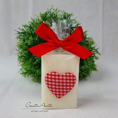 Schafmilchseife CLASSIC-NATUR dekoriert mit Herz Karo - Valentinsgeschenk, Mitbringsel